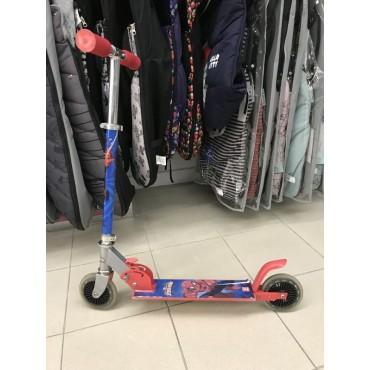 Patinete dos ruedas Spiderman
