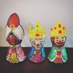 Hoy es mi día preferido del año 👏🏻👏🏻👏🏻 Víspera de Reyes, el día de la ilusión! Con niños y sin niños, siempre lo ha sido y me encanta disfrutarlo a tope 🙃 Este año no va a ser menos y tenemos un montón de planes divertidos que nos van a dejar agotados, porque esta noche hay que acostarse pronto...  Y por supuesto cumpliremos con todas nuestras tradiciones de Reyes ¿Cuál es la tuya? 🤗 #visperadereyes #yavienenlosreyes #mimamieslista #depapásparapapás #experienciamimami #puericulturaresponsable